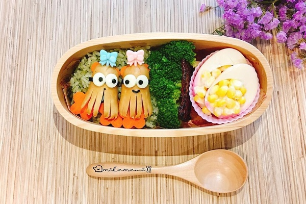 upgrade your lunch game 8 tools for crafting a japanese bento box fathom travel blog and. Black Bedroom Furniture Sets. Home Design Ideas
