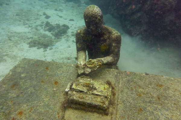 Seeking Scuba, Sculpture, and Spice in Grenada