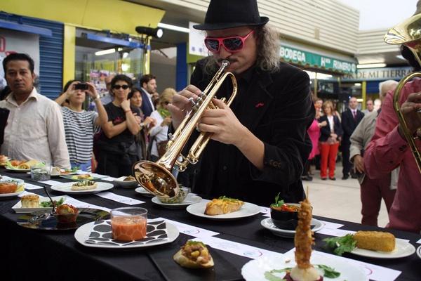 Musician at Mercado de San Fernando