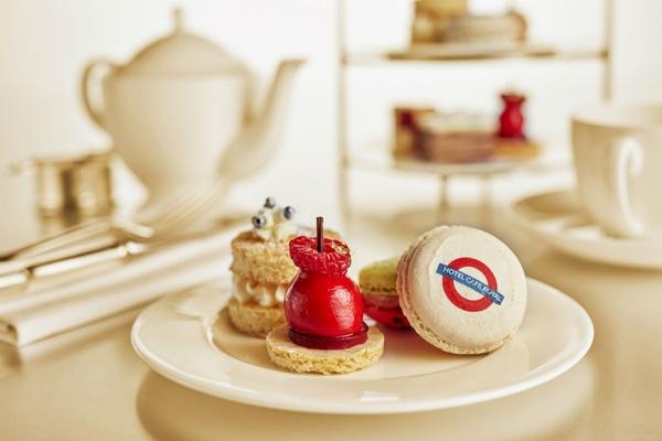 Tea at the Oscar Wilde Bar at the Hotel Café Royal.
