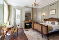 Vacation Rental 101: Book These Dreamy Parisian Apartments