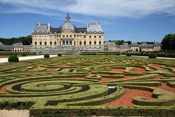 Forget Versailles. Go to Vaux le Vicomte