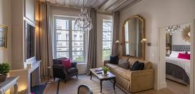 A Charming Parisian Pied-à-Terre on Île de la Cité