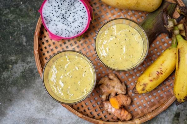 Mango Turmeric Smoothie