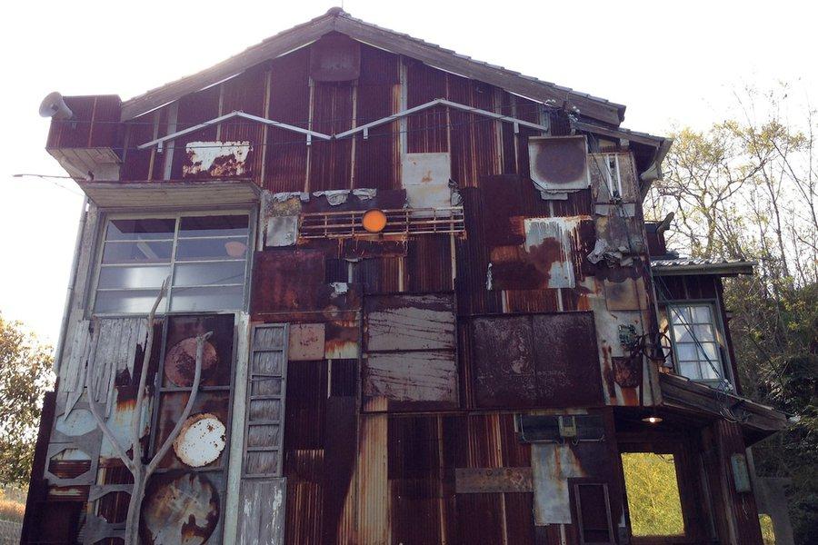 Haisha House by Shinro Ohtake