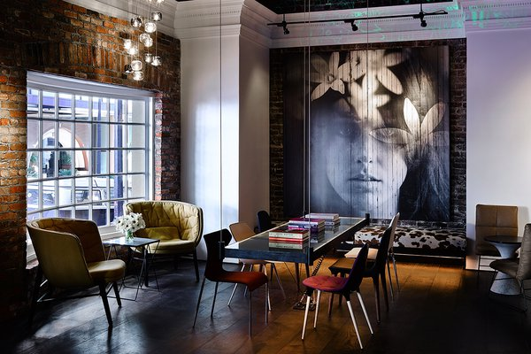 The Mantal Bar at Hotel Zeppelin in San Francisco, California