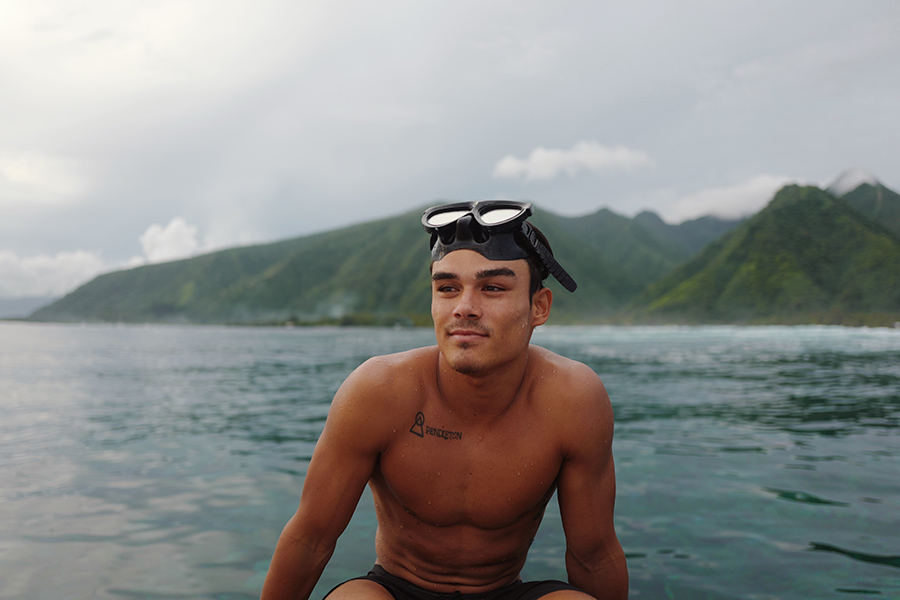 Man in French Polynesia - Twheat