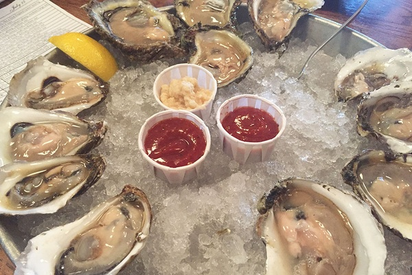 Thames Street Oyster House - Baltimore, Maryland