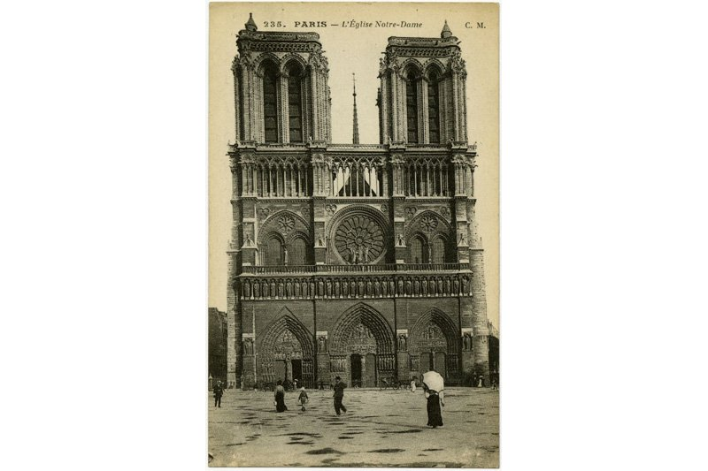 "Notre-Dame, Paris, 1916. Photo: <a title=""George Eastman House"" href=""http://www.flickr.com/photos/george_eastman_house/3021816687/""target=_blank"">George Eastman House</a> / Flickr"