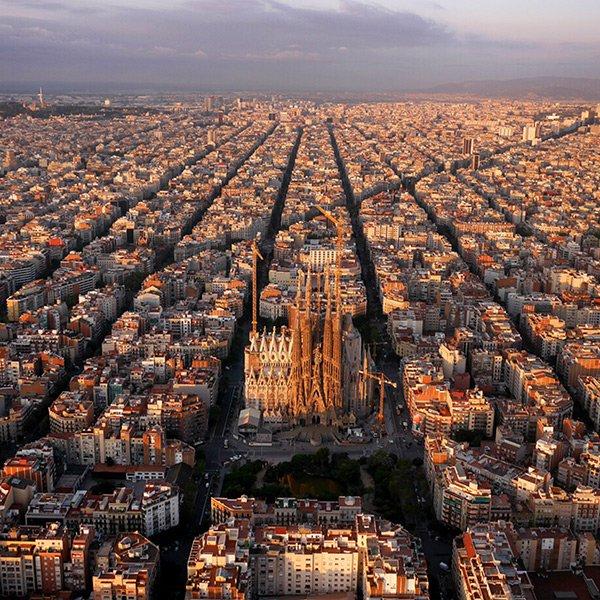 Barcelona, Spain / @amos.chapple