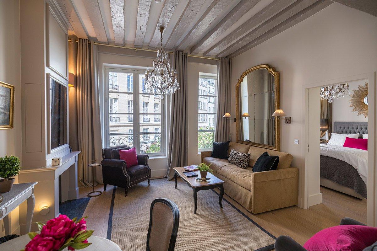 A Charming Parisian Pied-à-Terre on Île de la Cité - Fathom