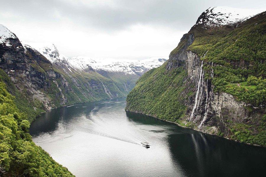 Sailing the Geirangerfjord