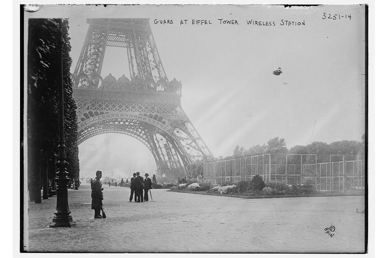 "The Eiffel Tower, Paris, 1910. Photo: <a title=""The Library of Congress"" href=""http://www.flickr.com/photos/library_of_congress/6174911629"" target=""_blank"">The Library of Congress</a> / Flickr"
