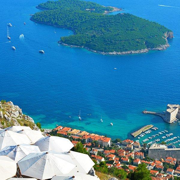 Dubrovnik, Croatia / @brianthio