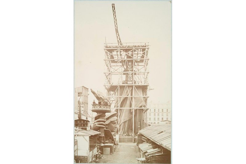 "Assemblage of the Statue of Liberty in Paris, 1883. Photo: Albert Fernique via <a title=""New York Public Library"" href=""http://www.flickr.com/photos/nypl/3109310519""target=_blank"">New York Public Library</a> / Flickr"