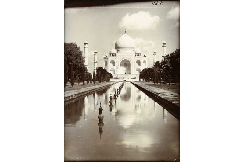 "The Taj Mahal, India, 1907. Photo: Herbert Ponting via <a title=""The National Archives UK"" href=""http://www.flickr.com/photos/nationalarchives/5622031158/""target=_blank"">The National Archives UK</a> / Flickr"