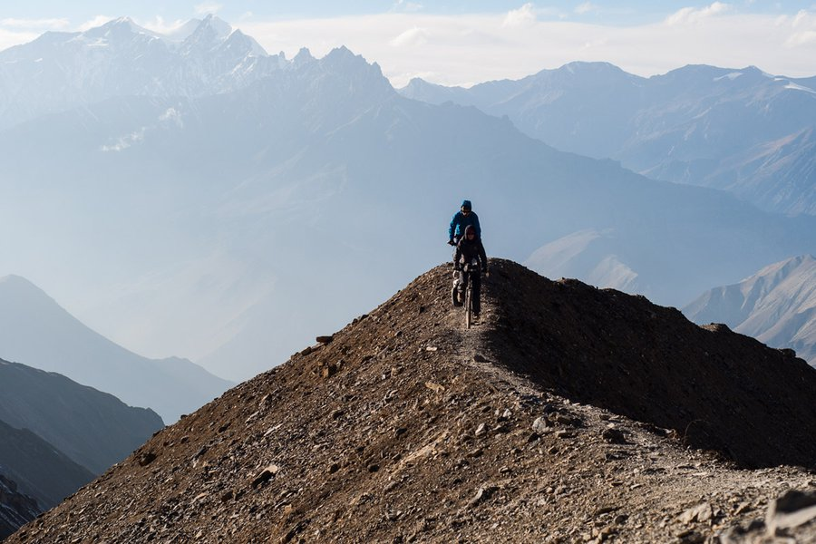 Cycling along Annapurna Circuit
