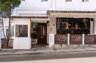 Devil's Isle Cafe