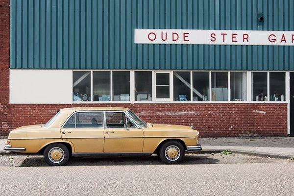 Netherlands car photo by Sisilia Tiseli