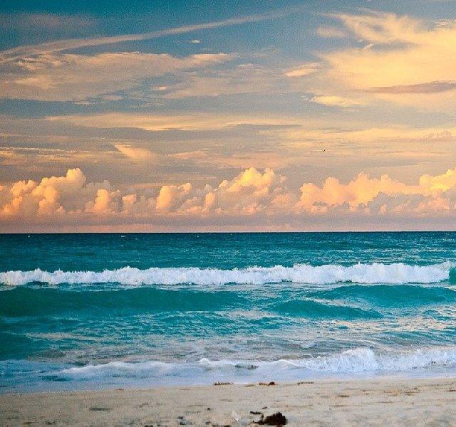 La Playa Cubana
