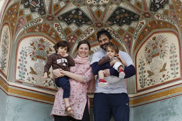Family travel in India.