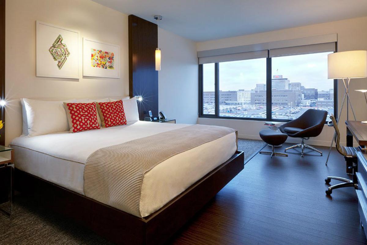 Alexander Hotel King Bedroom