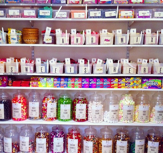 Scotland: Burns Sweet Shop