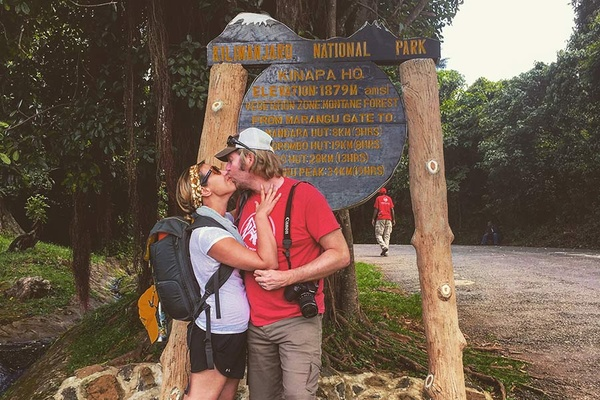 Jo and husband kissing