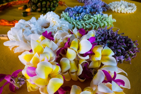 Lei Making