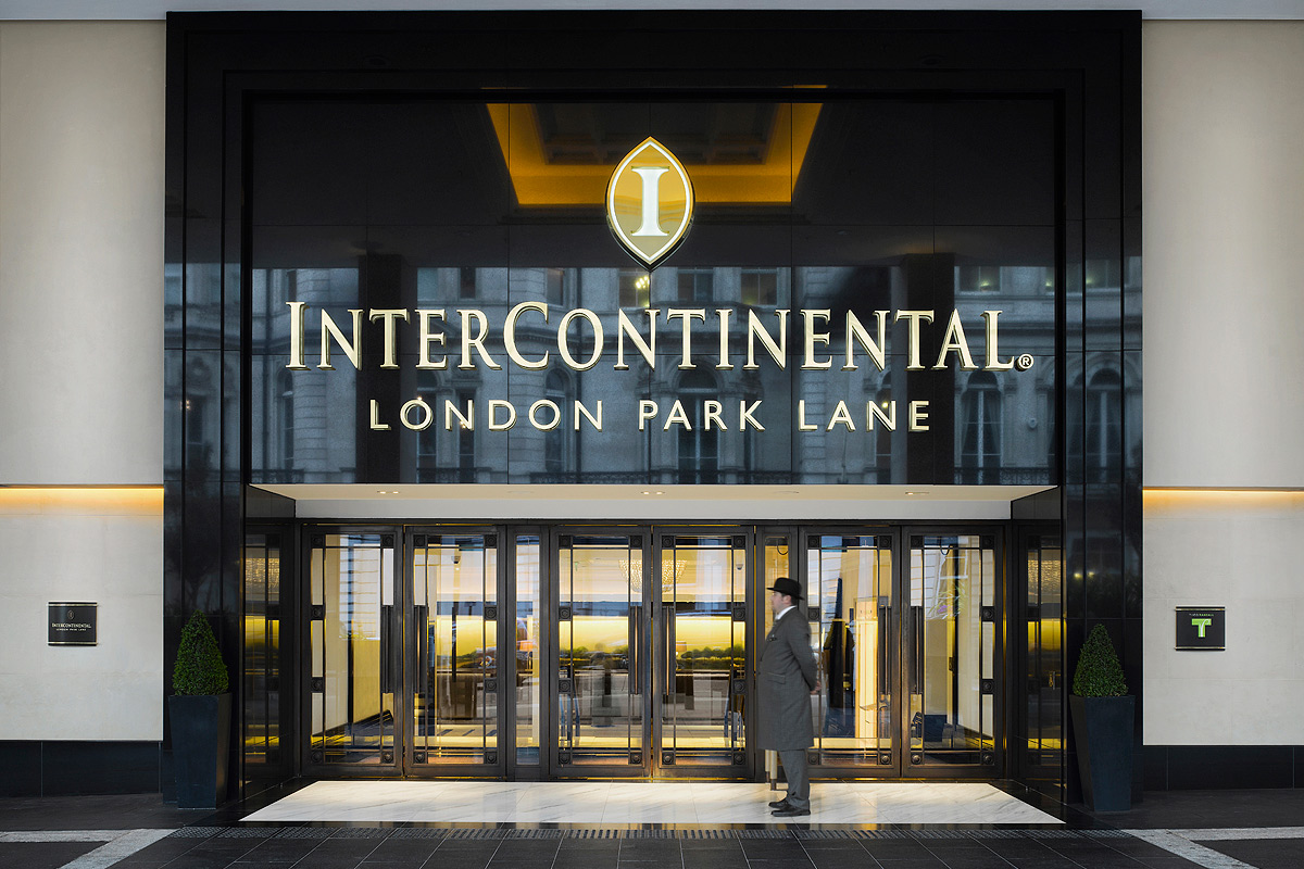 Entrance to Intercontinetal London Park Lane
