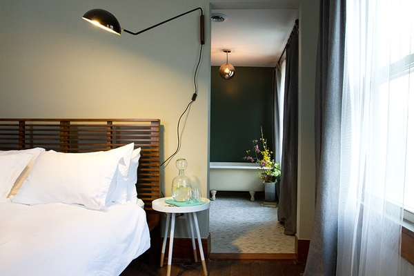 Bedroom, The Debruce