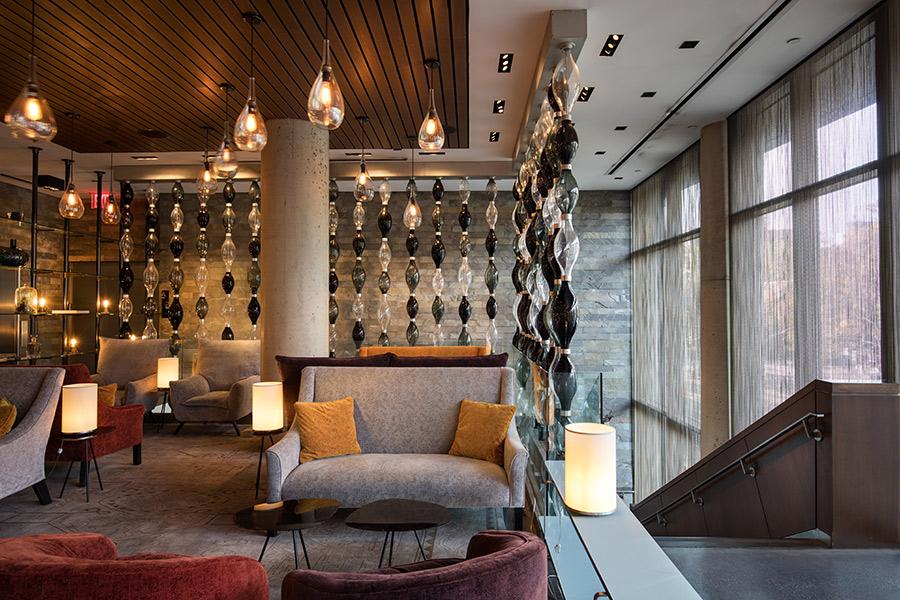 Lounge, Sixty LES