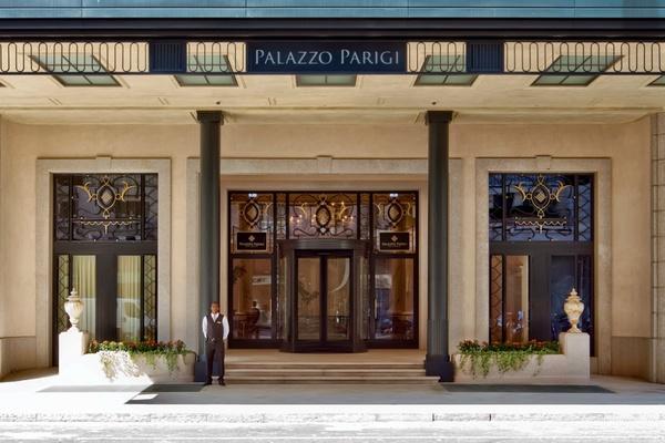 Palazzo Parigi entrance