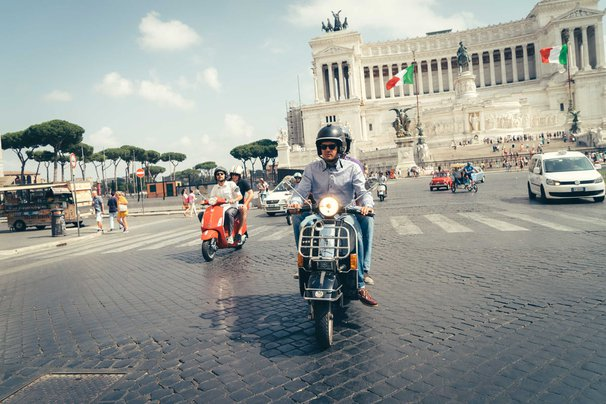 Scooteroma Tour in Rome.