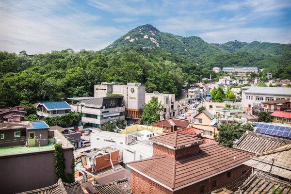 samcheongdong mountain view