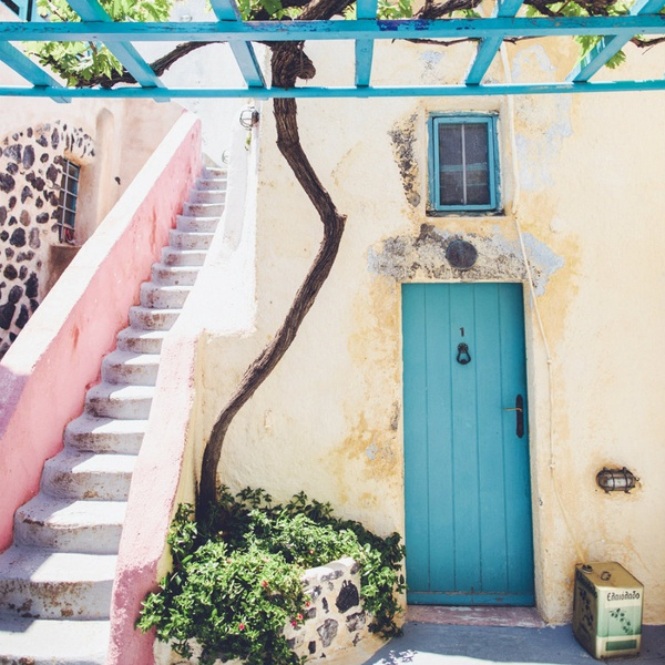 Caveland Hostel, Santorini, Greece
