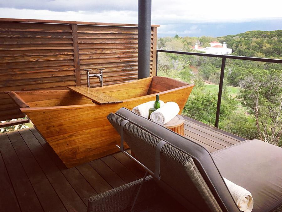 Skyloft wooden tub at Loma de Vida