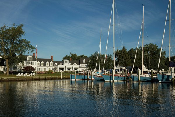 The dock and exterior of Inn at Perry Cabin in St. Michaels, Maryland