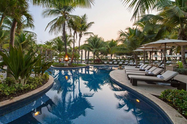 St. Regis Bahia Beach Resort Pool