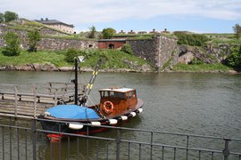 A little boat to Suomenlinna