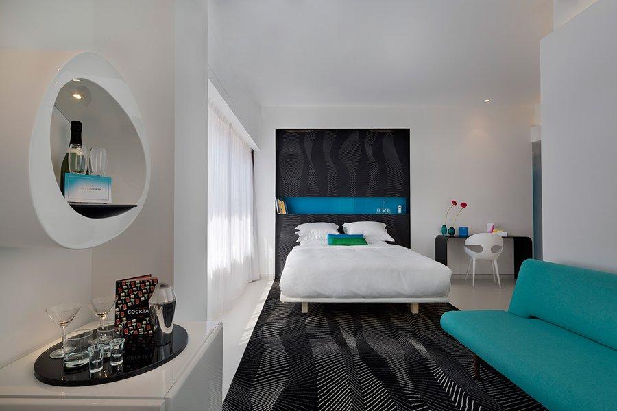 Poli Room