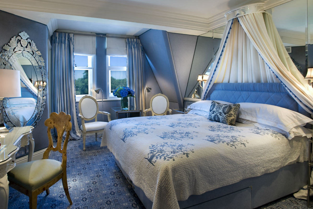 A Deluxe King room at The Milestone.