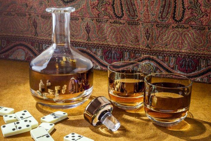 Tom Dixon Copper Tank Whiskey Set