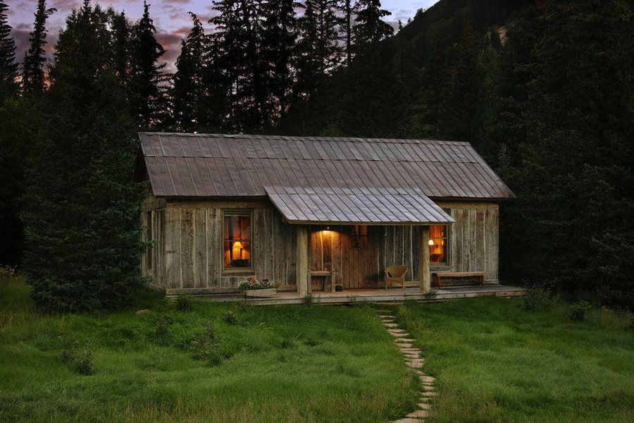 Vertical Log Cabin