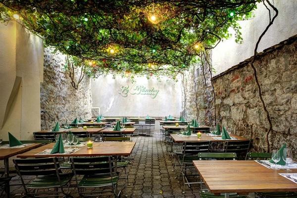 Le Dazaley, Zurich