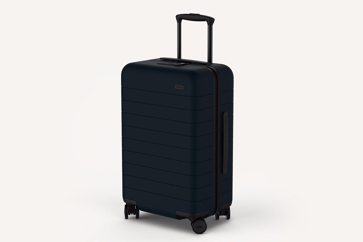 pictures Photos and features of the Away suitcase with phone charger