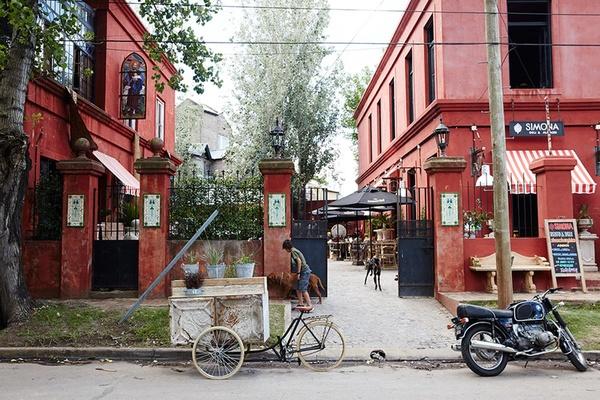 Nicole Franzen Buenos Aries Street