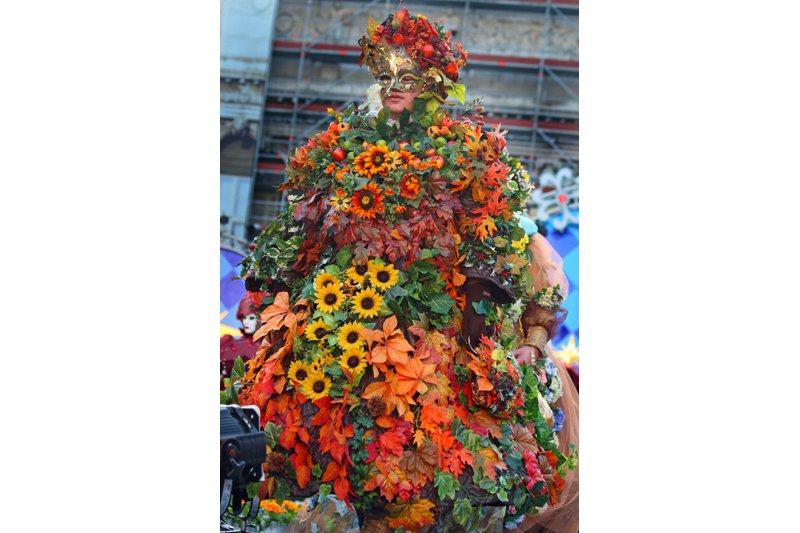"An explosion of flowers. Photo: <a title=""Alaskan Dude on flickr"" href=""http://www.flickr.com/photos/72213316@N00/4547524580/"" target=""_blank"">Alaskan Dude</a> / Flickr"