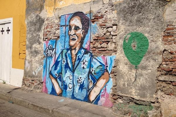 Cartagena Graffiti Balloon