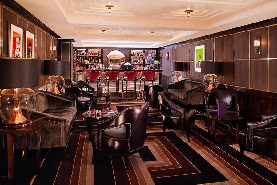 Manetta's Bar